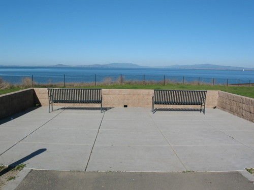 benches/bay